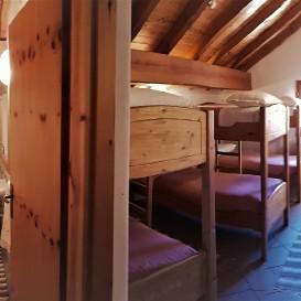 Camera 8 posti con balcone